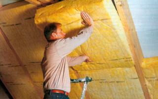 Утепляем мансардную крышу: выбор утеплителя и инструкция