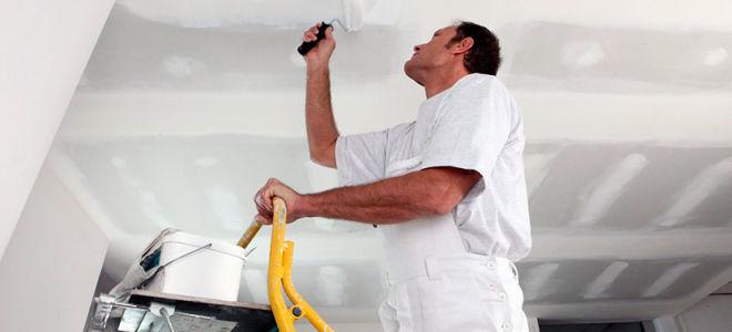 Отделка потолка в частном доме: обзор материалов и советы по оформлению