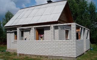 Возведение пристройки к дому из пеноблоков