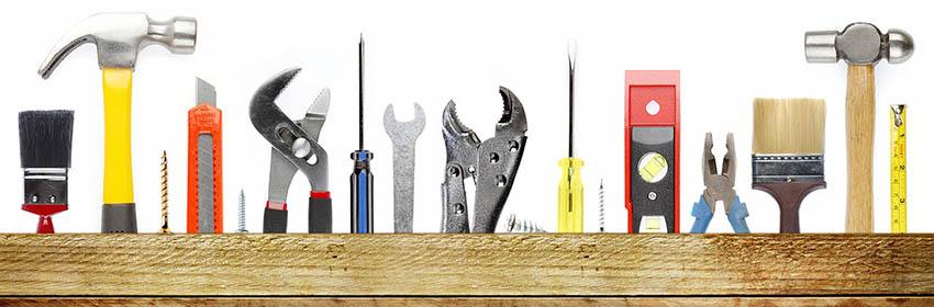 При кладке применяются материалы и инструменты