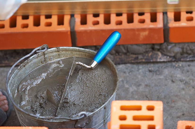 Цементный раствор: что потребуется и как замесить?