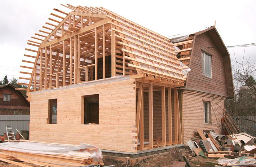 Возводим крышу на пристройке к дому: этапы работ и советы