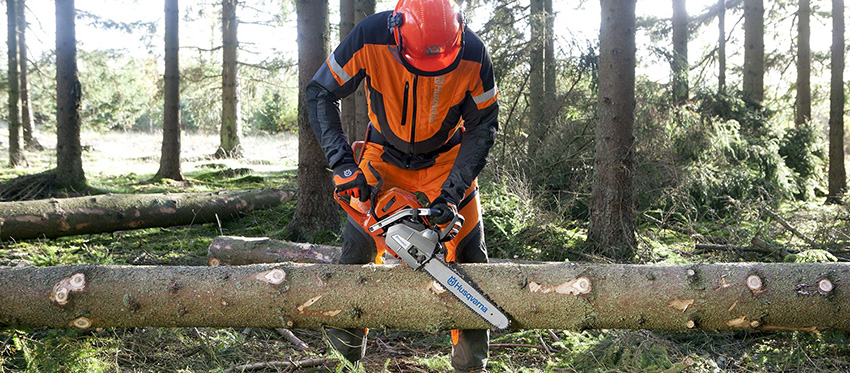 husqvarna-chainsaw-professional