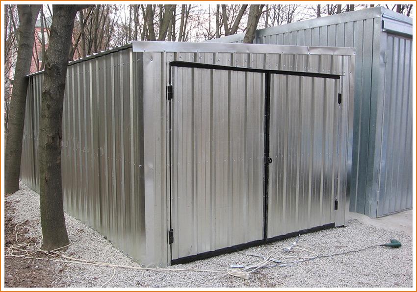 Как правильно построить гараж из профнастила?